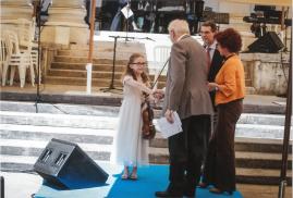 L. Berlinguer congratulated with Lucrezia